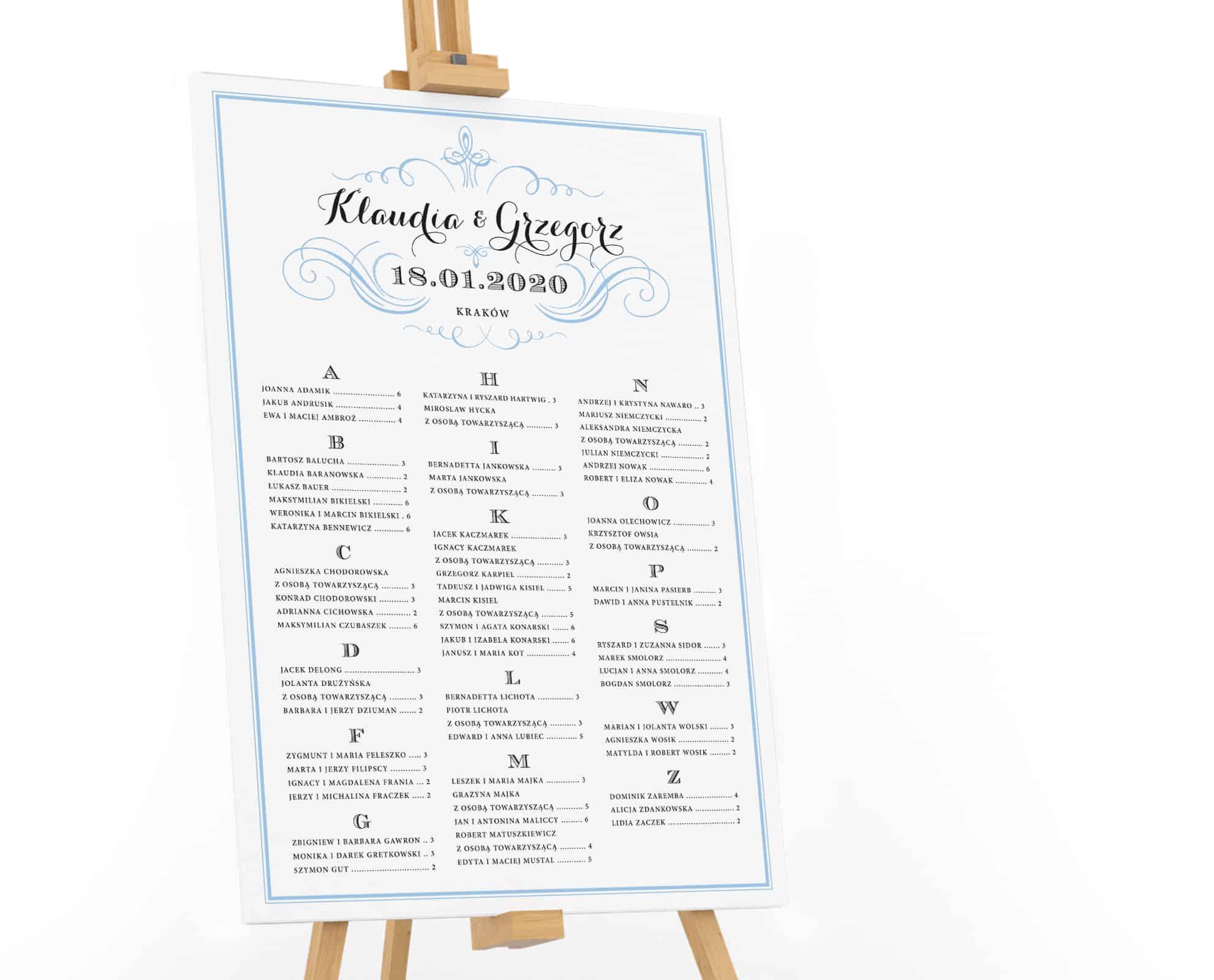 Plan stołów z jasnoniebieskimi akcentami we francuskim stylu
