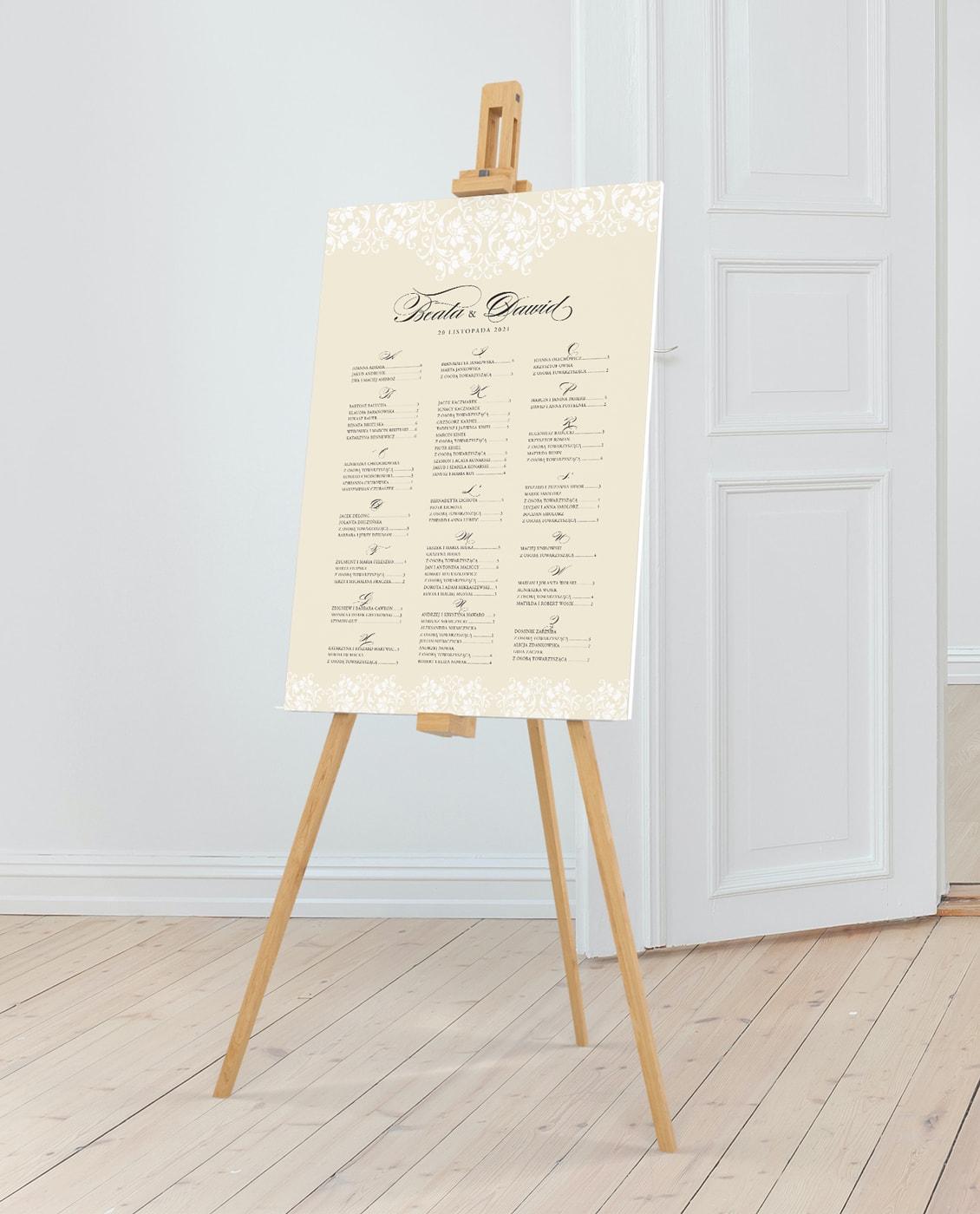 Plan stołów w eleganckim stylu, z ornamentami ecru