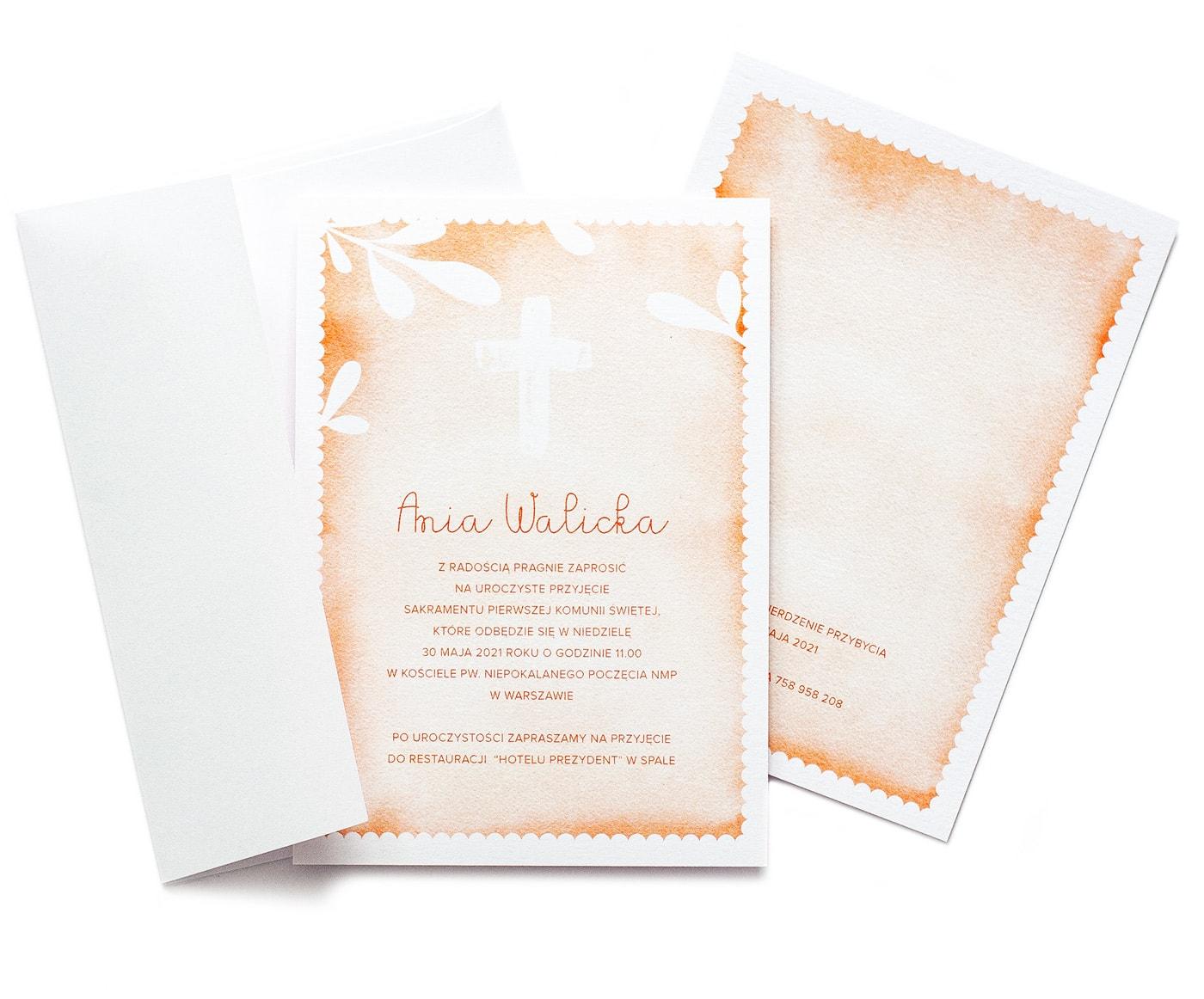 pomarańczowe zaproszenia na komunię watercolor z białym krzyżem i białymi listkami