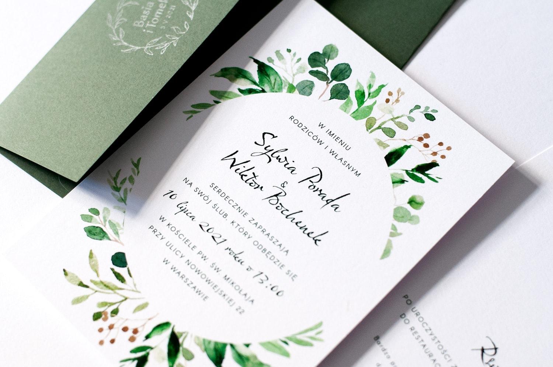 Zaproszenia z listkami i zieloną kopertą