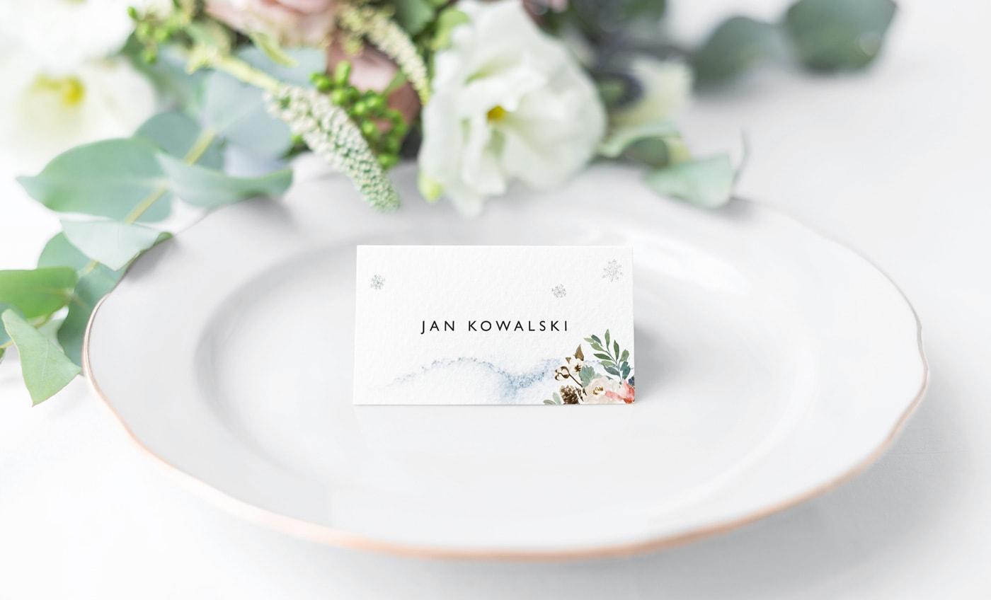 Winietki na stoły wesele z imieniem gościa w stylu zimowym
