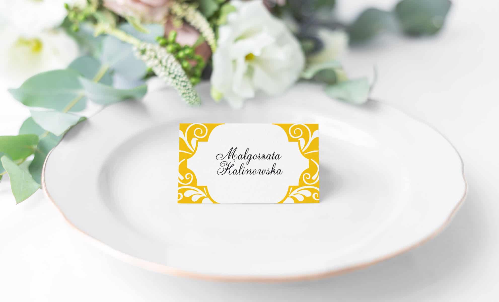 Winietki weselne w kolorze słonecznika i ładną czcionką