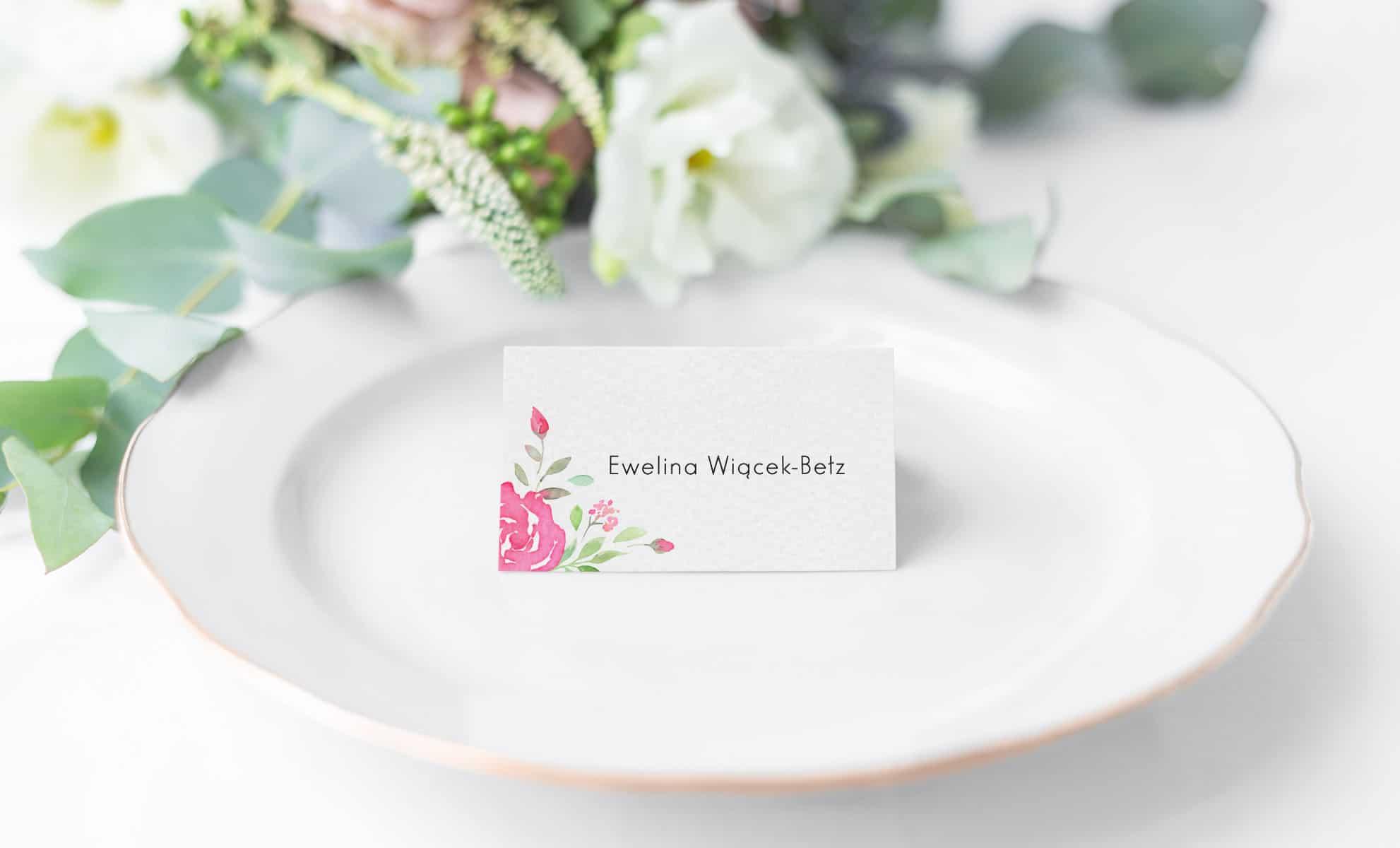 Winietki na stoły weselne z różami