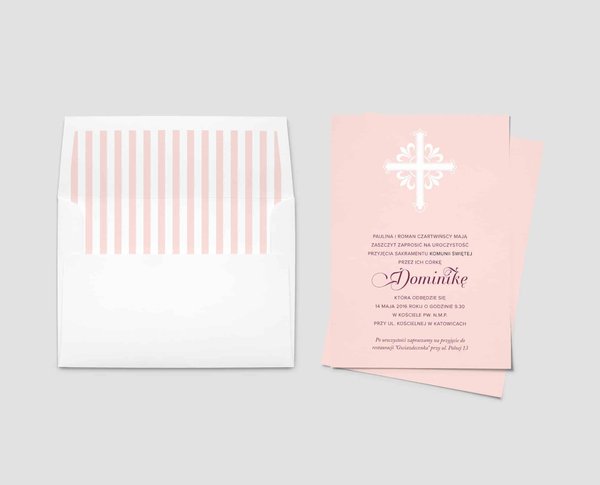 Zaproszenia na komunię świętą różowe z ozdobną kopertą w pionowe pasy
