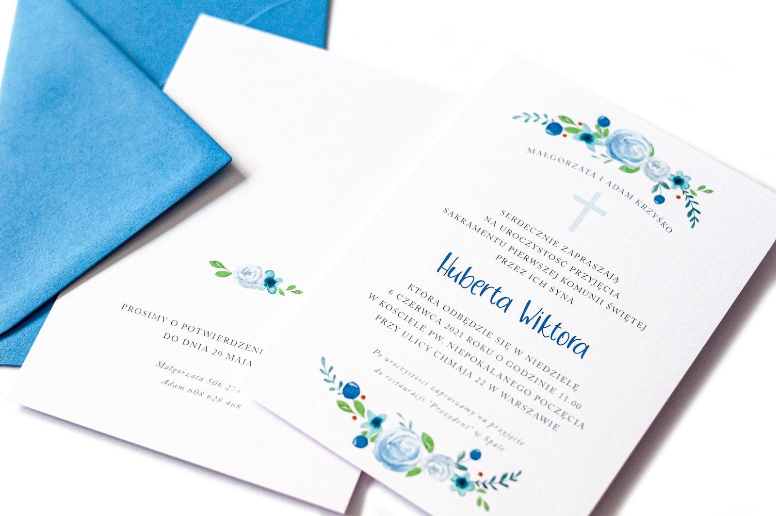 Zaproszenie na komunię świętą dla chłopca w niebieskiej kolorystyce