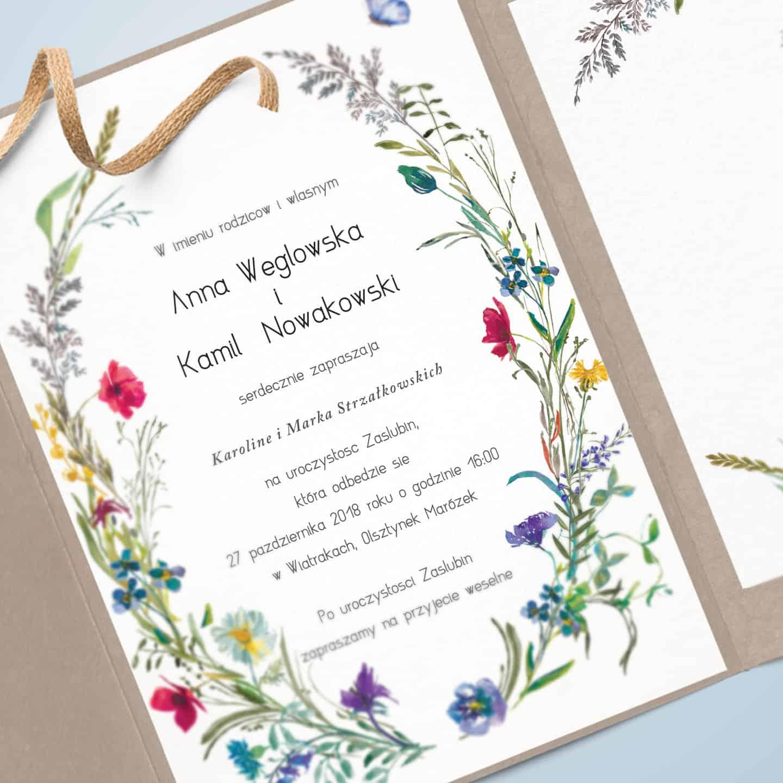 Zaproszenie z elementami kwiatków, maków, stokrotek