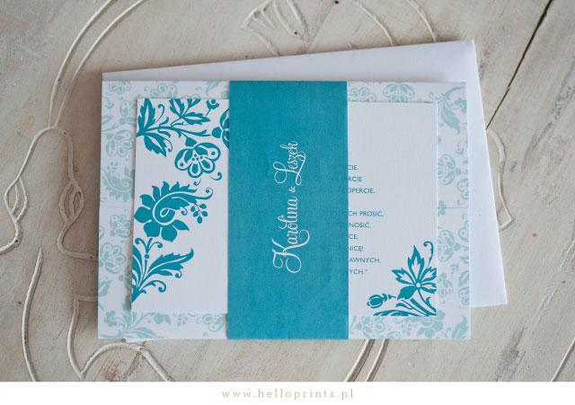 Zaproszenie z owijką i motywem roślinnym w kolorze turkusowym