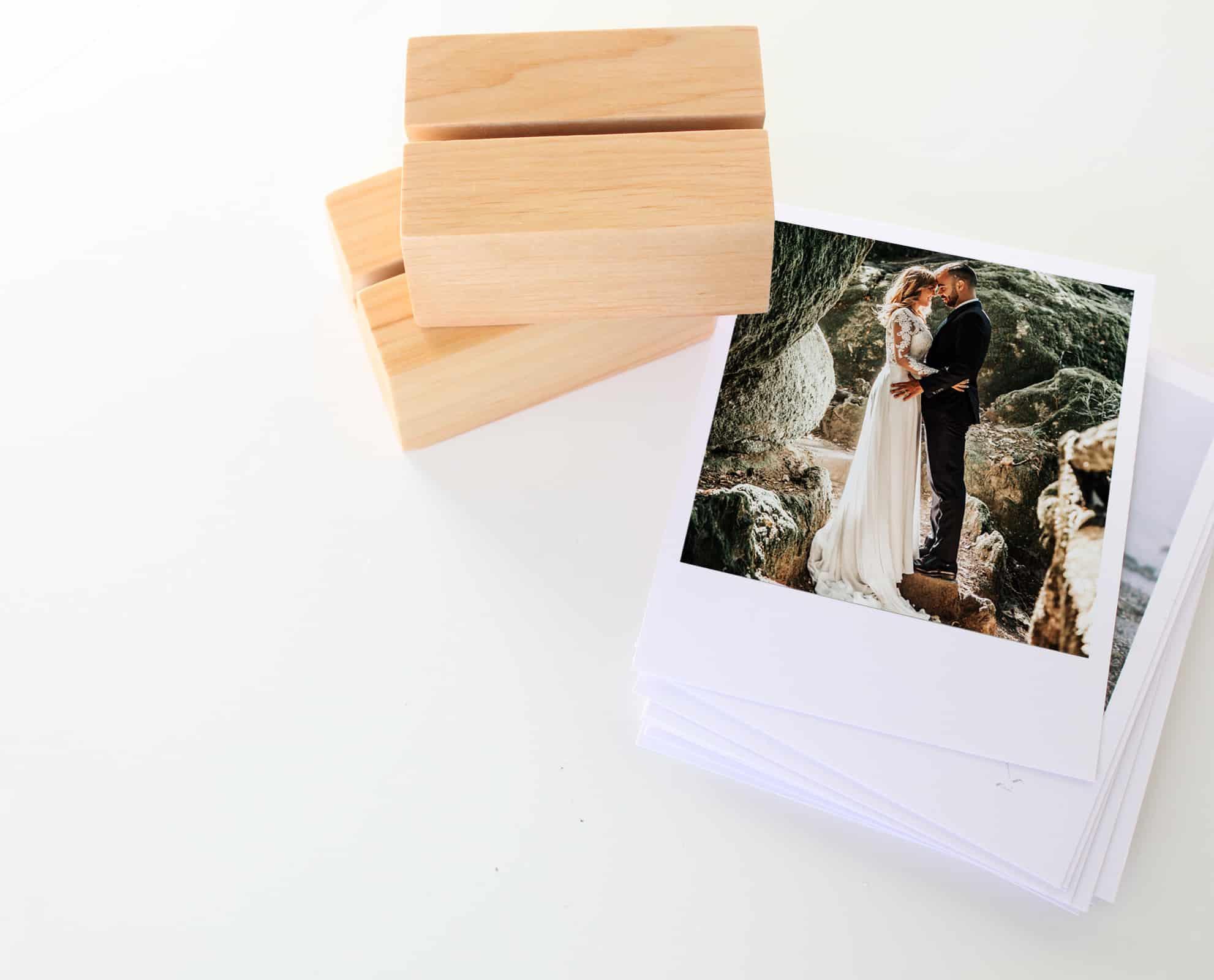 Drewniane podstawki z litego drewna na druki
