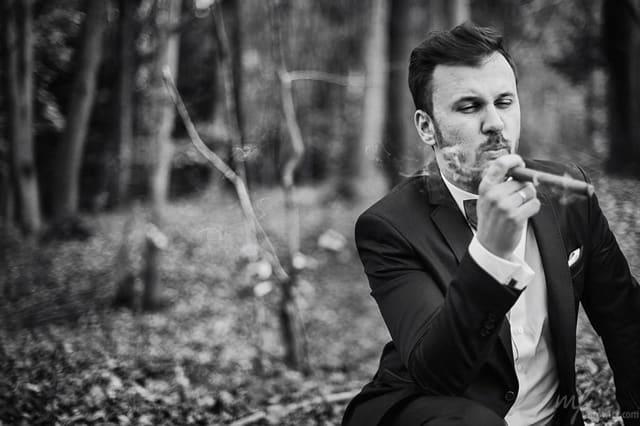 Sesja ślubna, Pan Młody z cygarem