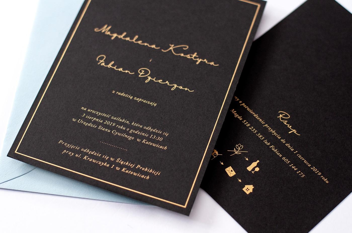 Zaproszenia na czarnym papierze ze złotym drukiem Gold