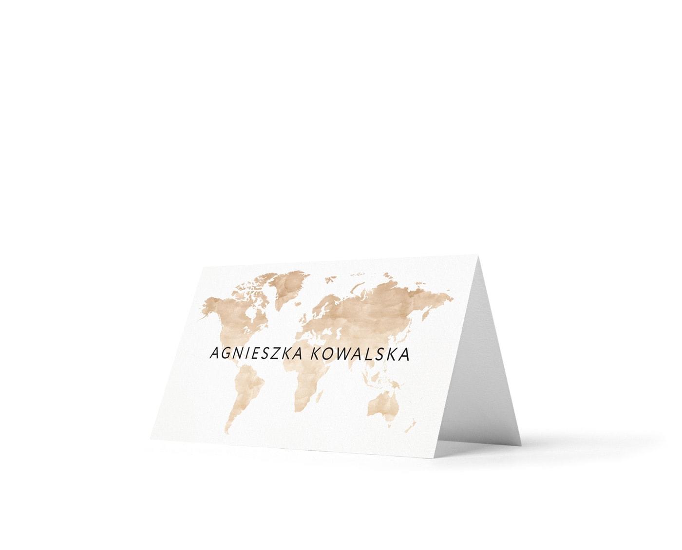Winietki z brązową mapą świata w podróżniczym stylu
