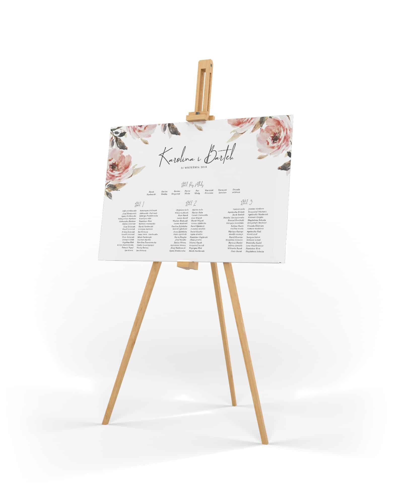 Plan stołów z dużym jasnoróżowym kwiatem w tle i ozdobną czionką