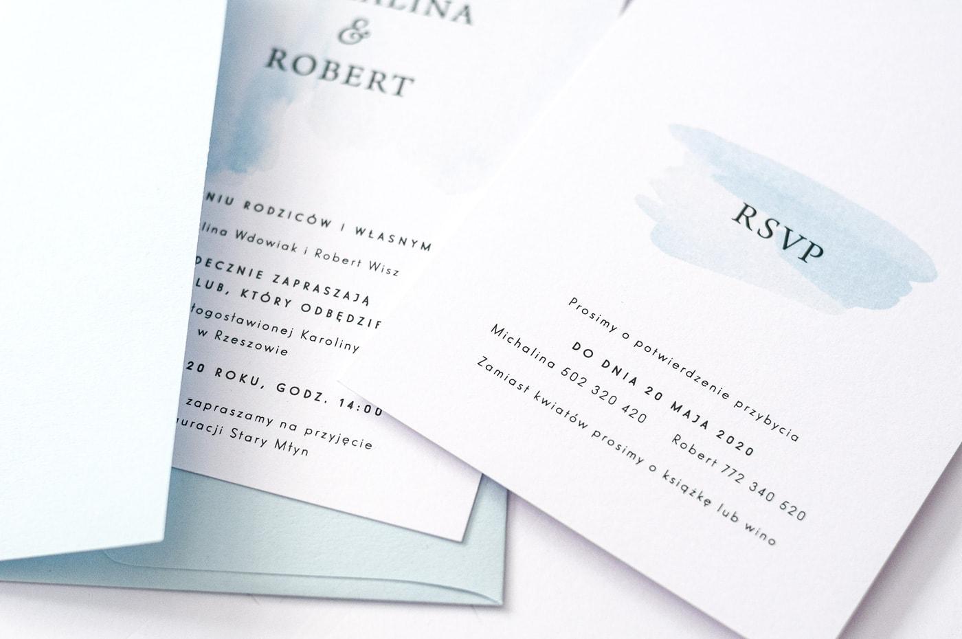 Zaproszenia w minimalistycznym stylu, delikatne jasno niebieskie tło