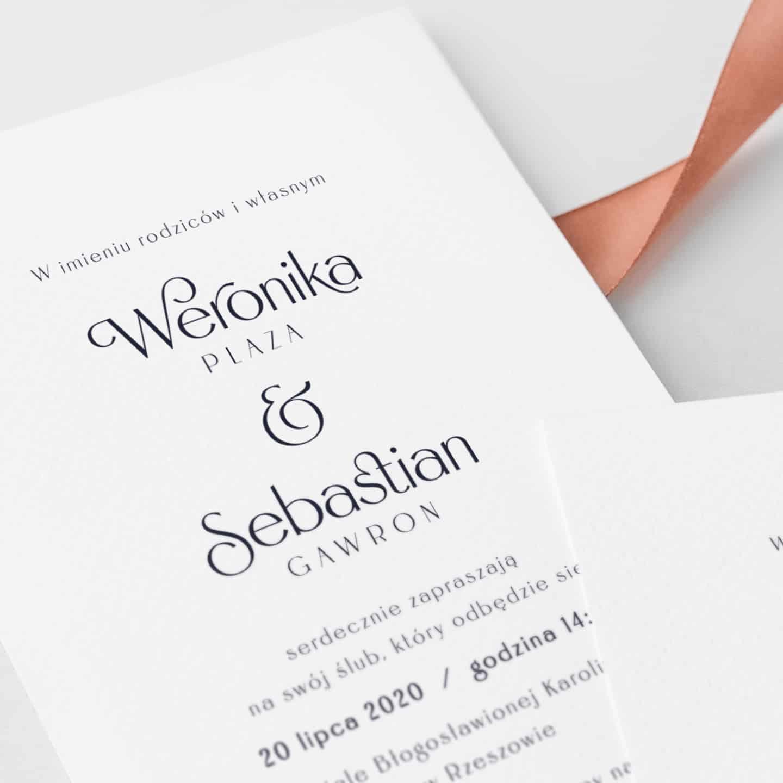 Zaproszenia ślubne z ładną czcionką, proste i czytelne