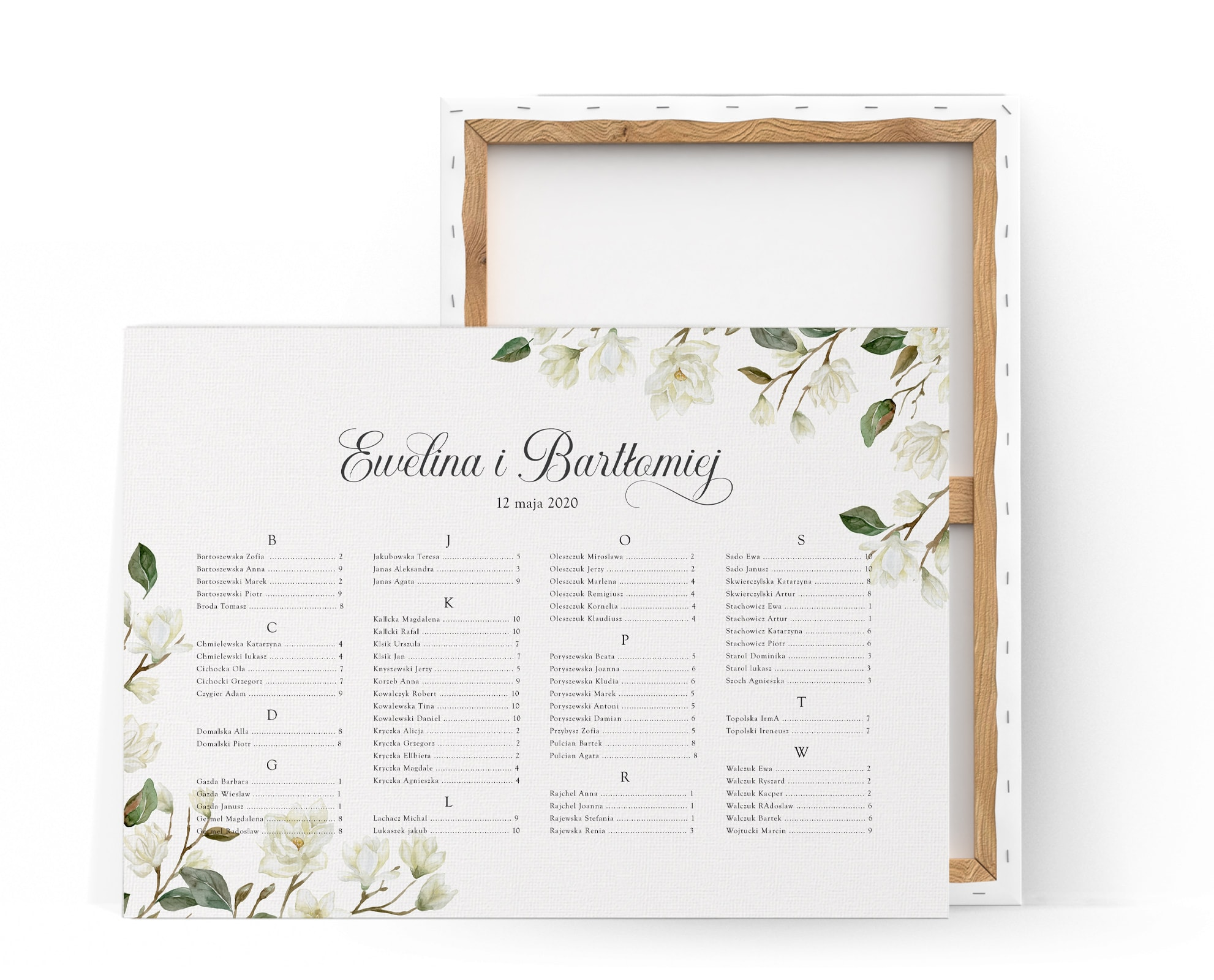 Elegancki plan stołów z układem alfabetycznym i kwiatami magnolii