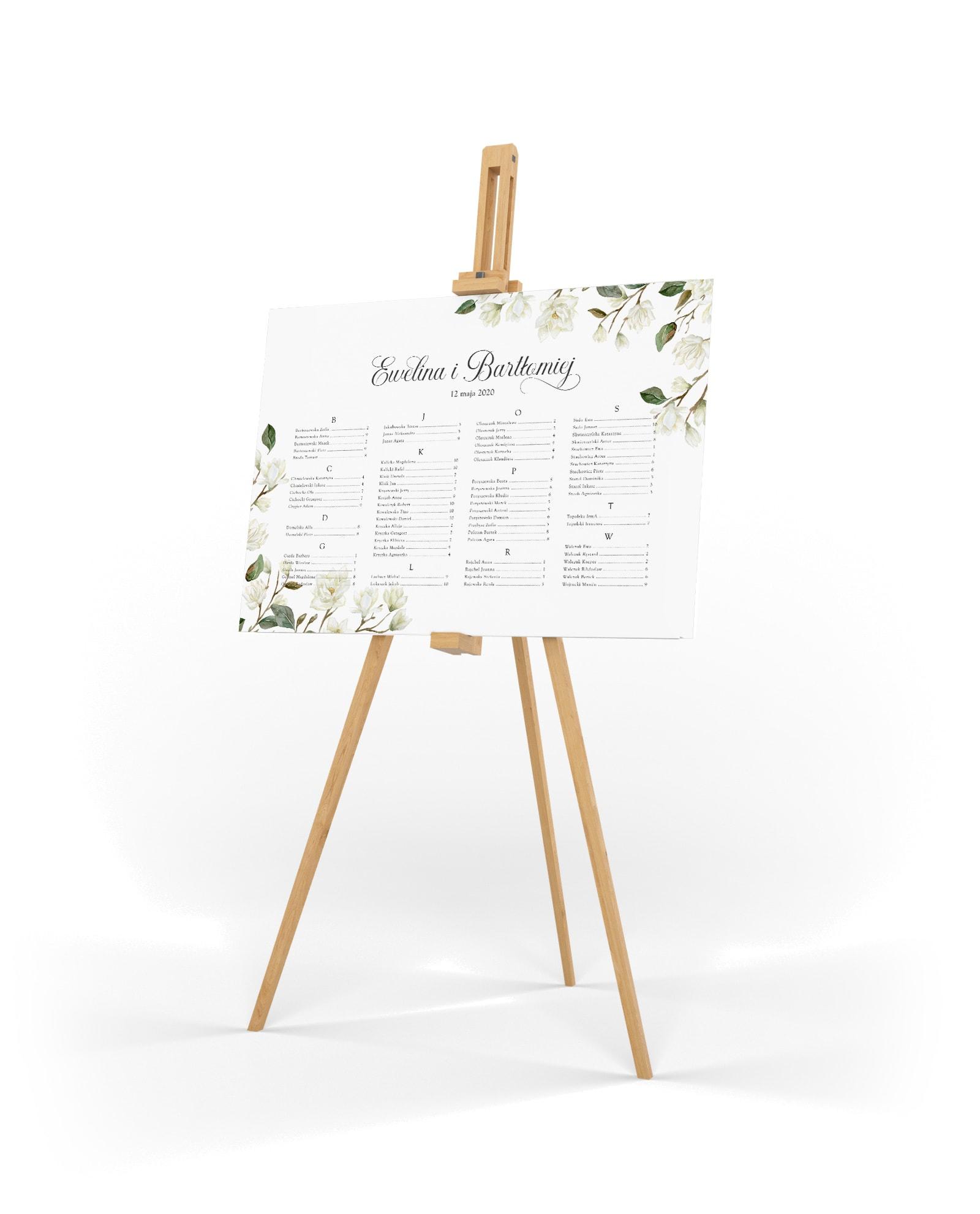 Plan usadzenia gości na uroczystości z białymi magnoliami i z alfabetycznym układem