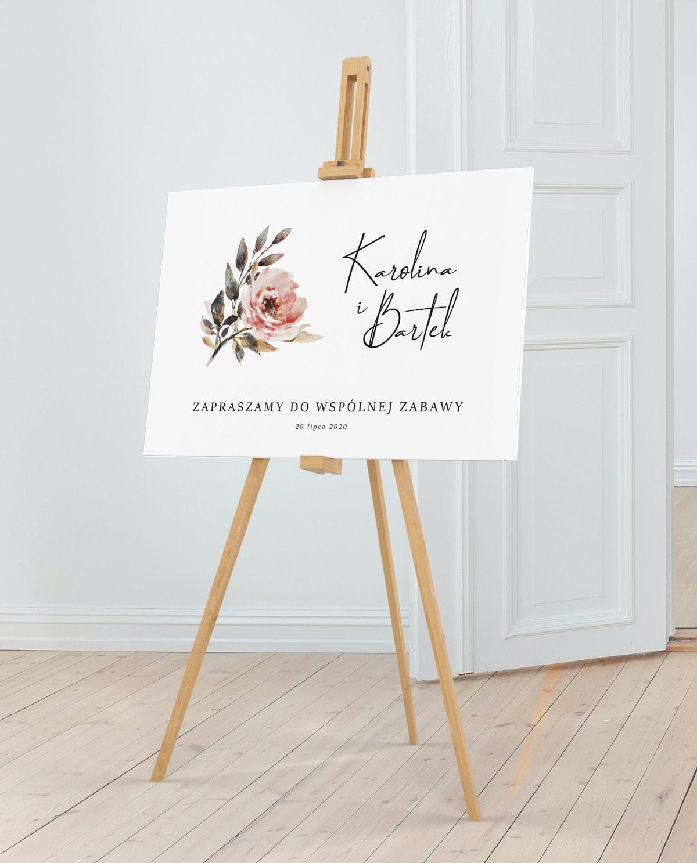 Tablica do postawienia przed salą weselną z imionami pary młodej