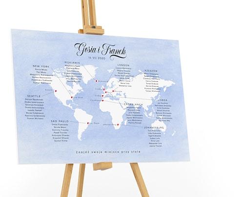 Plan stołów z mapą świata w stylu podróżniczym