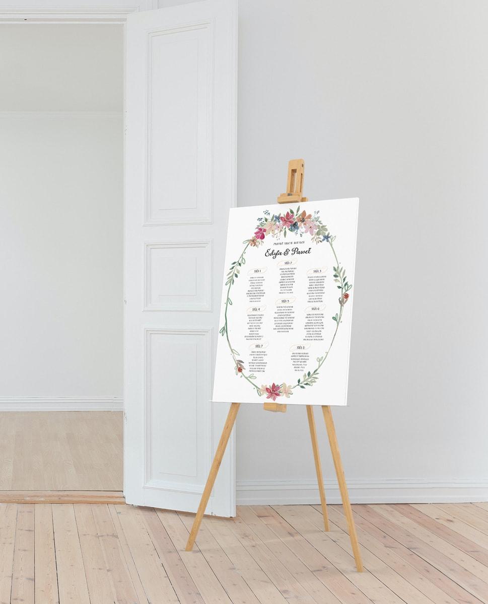 Plan stołow na letnie wesele, styl rustykalny, owalny wianek z kwiatuszkami