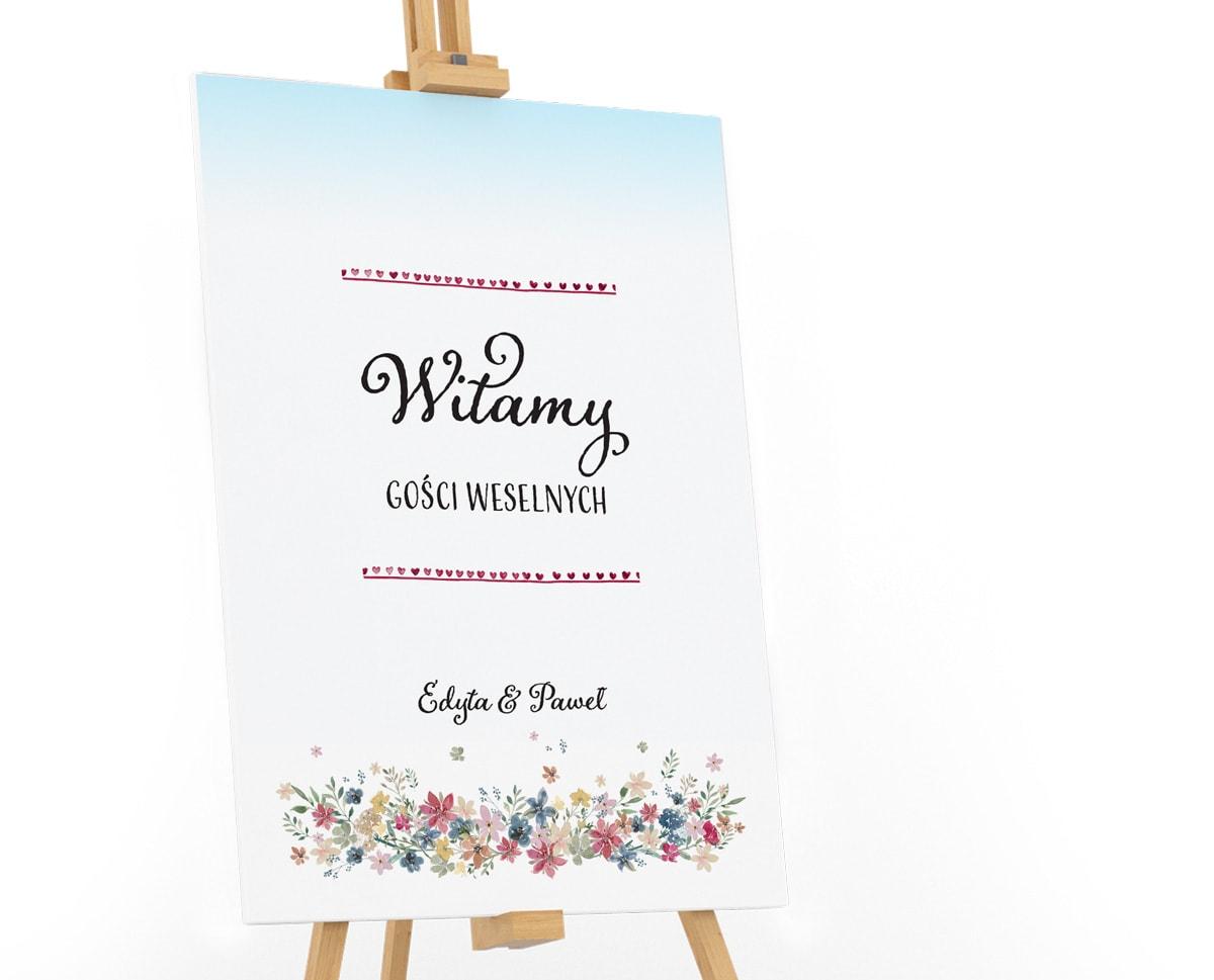 Tablica powitalna w rustykalnym stylu z motywem polnych kwiatów