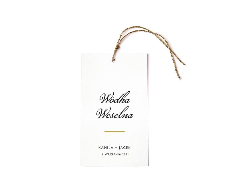 Wódka weselna, białe zawieszki z odręczną czcionką