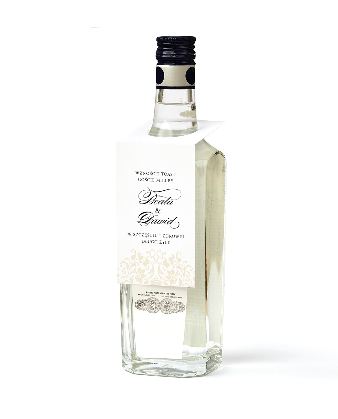 Klasyczne zawieszki z otworem do powieszenia na butelkach z alkoholem