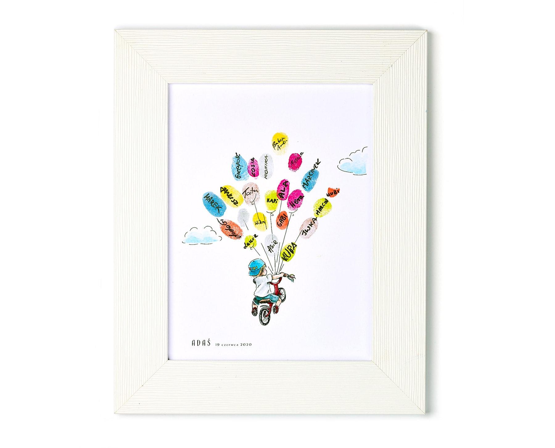 Pamiątka z urodzin dziecka, obrazek chłopca na rowerku z balonami z odcisków