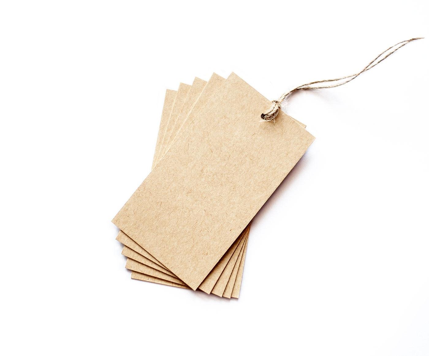 zawieszki z papieru kraft, brązowe z bawełnianym sznureczkiem