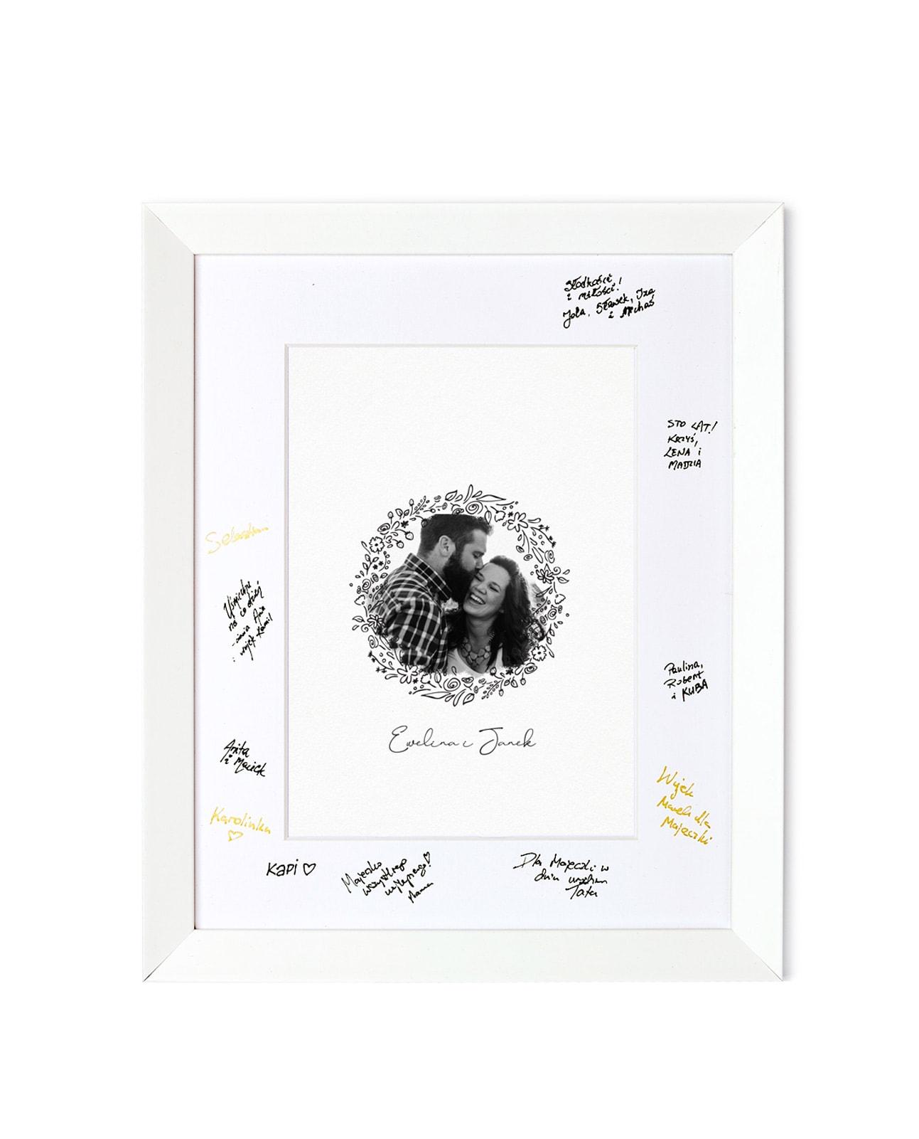 Tablica powitalna i księga gości ze zdjęciem w białej ramie