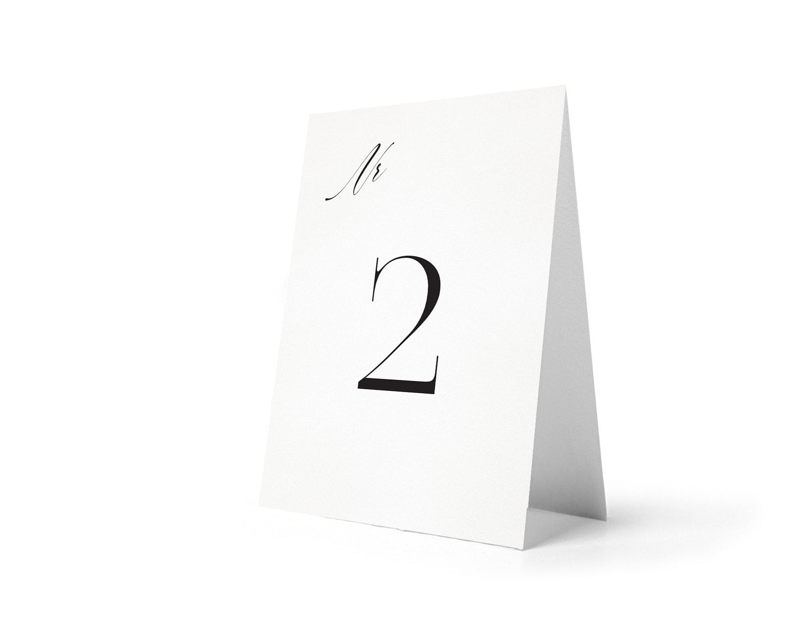 Proste numery stołów w minimalistycznym stylu