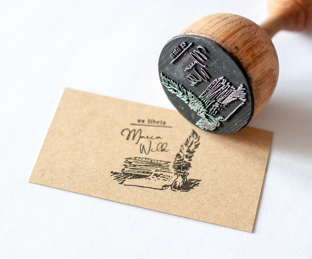 Stempel Ex Libris z kratką i gęsim piórem