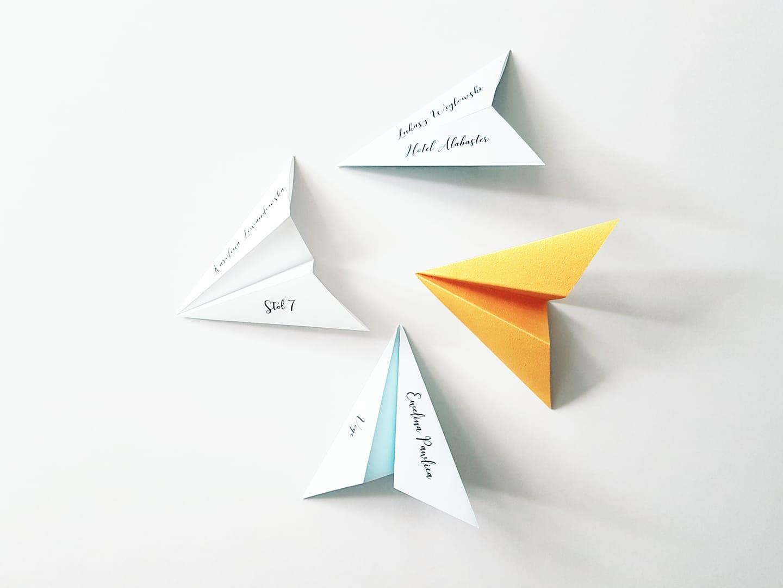 Winietki z papierowych samolocików