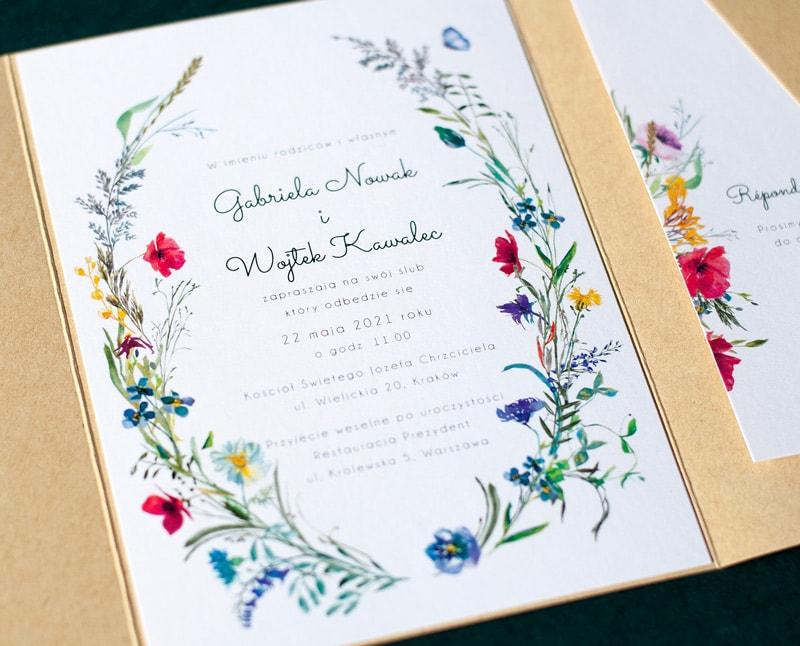 Zaproszenia folderowe z polnymi kwiatami