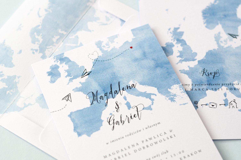 Zaproszenia w podróżniczym stylu z mapą świata