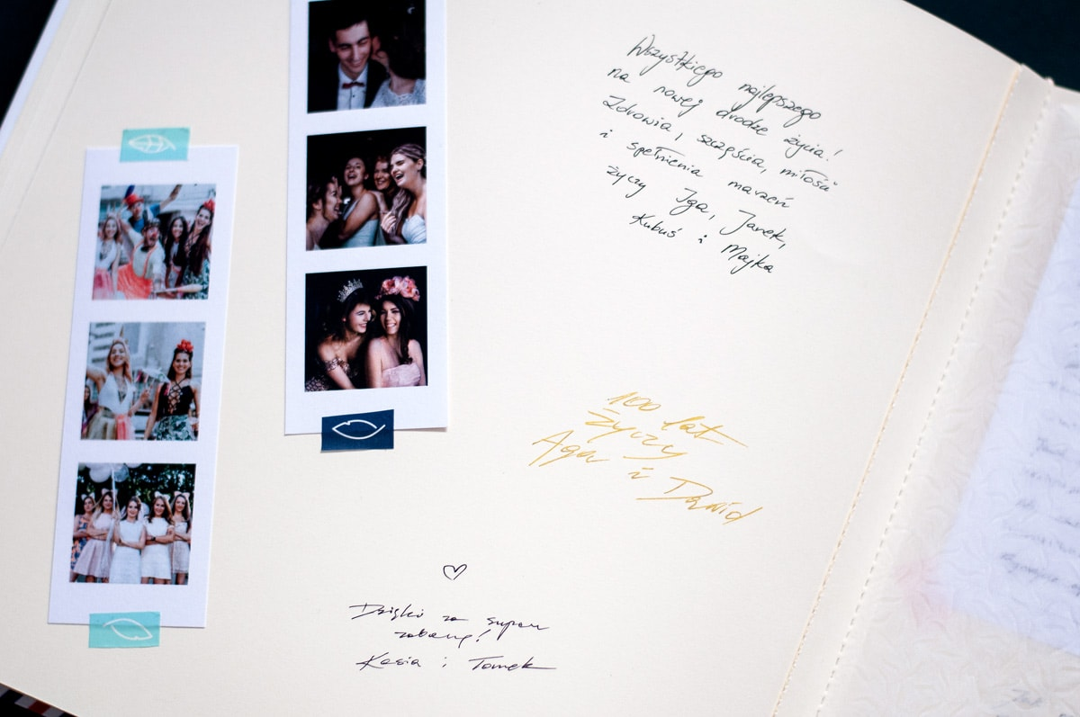 Księga gości na zdjęcia z fotobudki z kartami w kolorze ecru