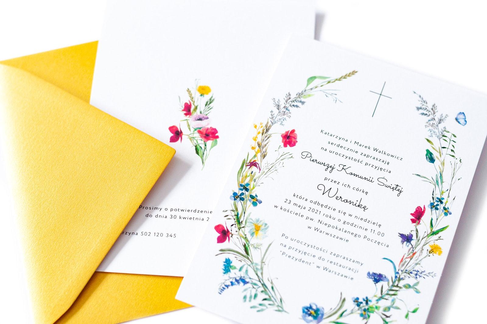 Zaproszenia na Komunię z bukietem polnych kwiatów, maków, bratków i chabrów