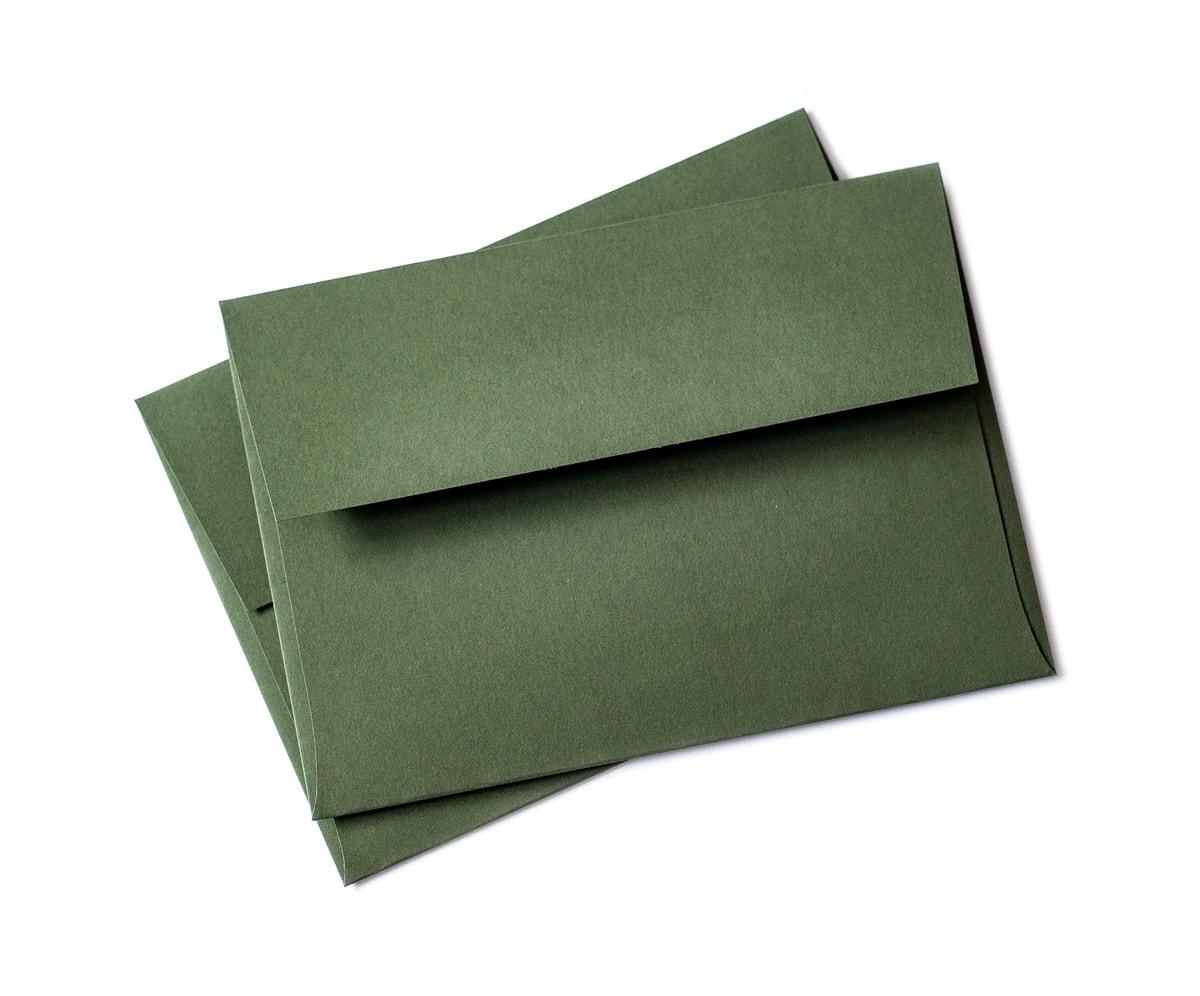 Ciemnozielone koperty ozdobne z klapką prostokątną